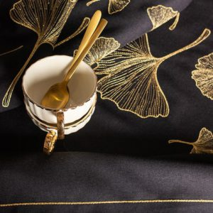 Obrus Miłorząb ze złotym haftem